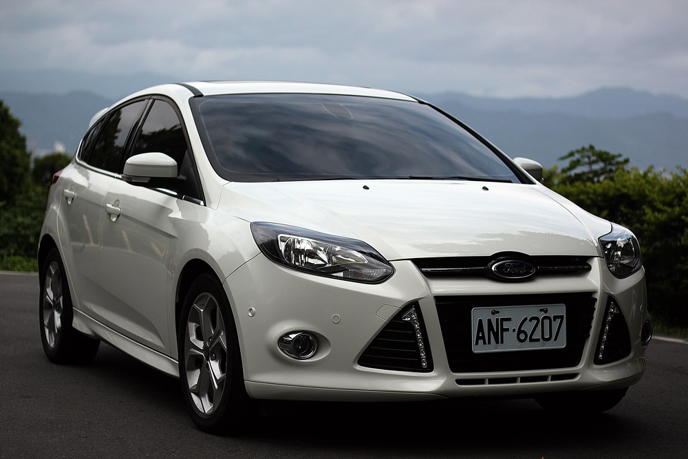 2015-ford-focus-2-0-s